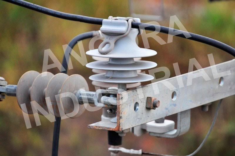 Isoladores de rede elétrica